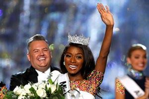 نیا فرانکلین شایسته ترین دختر 2019 آمریکا انتخاب شد + تصاویر