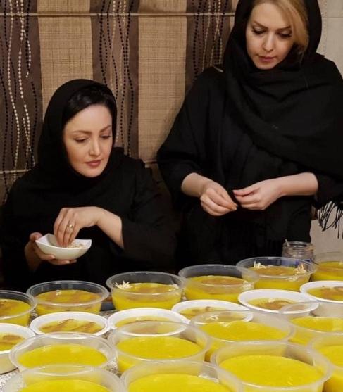 شیلا خداداد در حال تزئین نذری تاسوعا (عکس)
