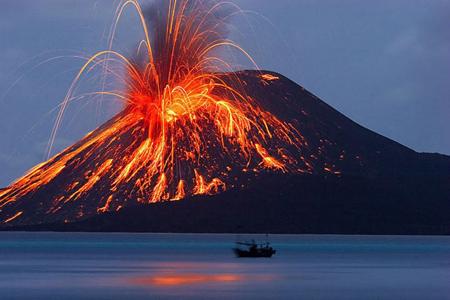 آتشفشان کراکاتوآ اندونزی،مرگبارترین آتشفشان های جهان،خطرناکترین آتشفشان های جهان،مرگبارترین آتشفشان،خطرناکترین آتشفشان
