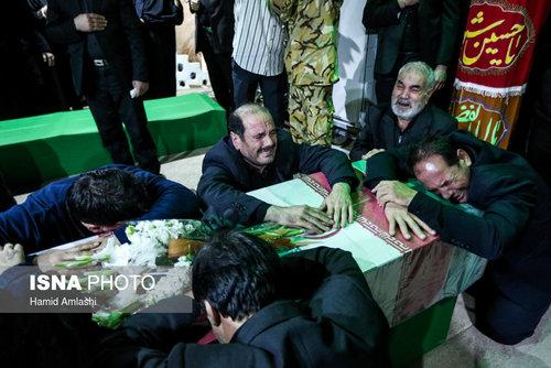تصاویر وداع با شهدای آتش نشان در معراج شهدا