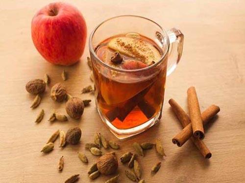 دمنوش سیب و دارچین مفیدترین نوشیدنی پاییزی