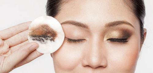 آموزش آرایش چشم با لنز رنگی | کارهای اساسی آرایش چشم