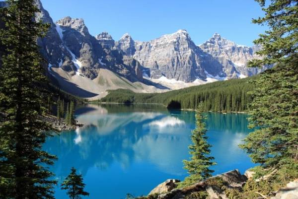 10 جاذبه گردشگری زیبا و بکر در دنیا (عکس)