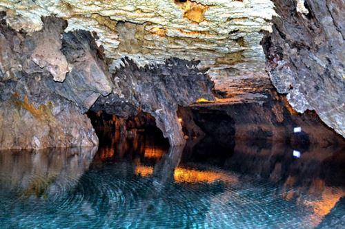 نگاهی به هیجان انگیزترین غارهای ایران + تصاویر