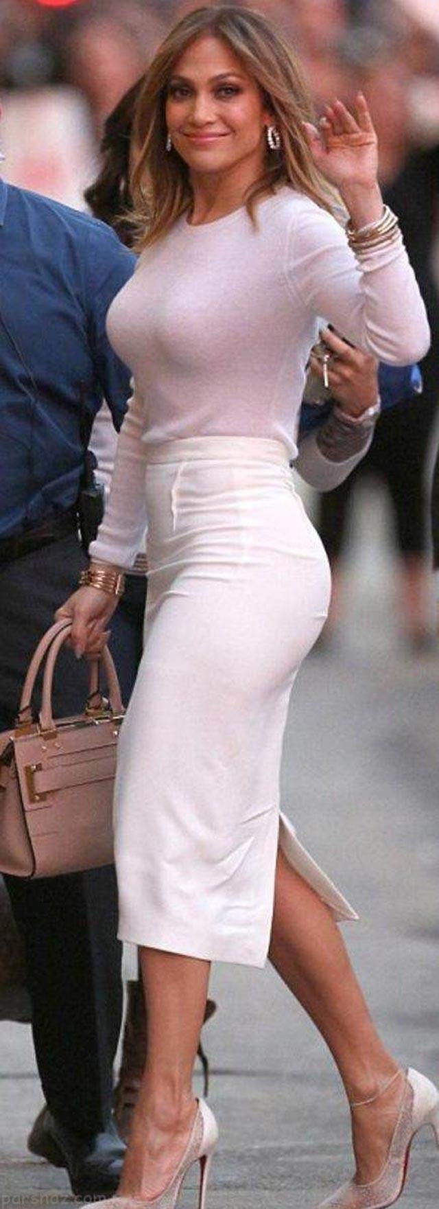 تناسب اندام زیبای جنیفرلوپز در آستانه 50 سالگی (عکس)