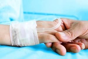 فراخوان کمک فوری به درمان کودک 3 ساله سرطانی