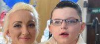 ازدواج عجیب این پسر 7 ساله با مادرش (عکس)
