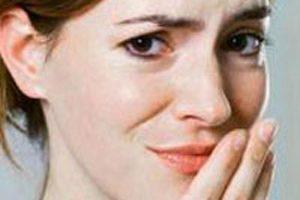هر نوع بوی بد دهان نشانه ی چیست؟
