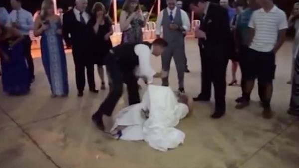 شوخی زشت این داماد با عروس موقع خوردن کیک (عکس)