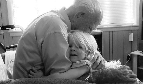 عکس هایی جالب که لحظات شادی و غم را نشان میدهد (: 1