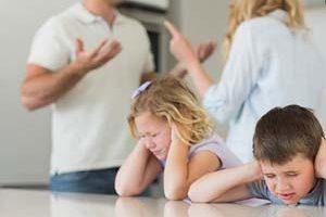 اختلاف پدر و مادر و نحوه تربیت فرزندان