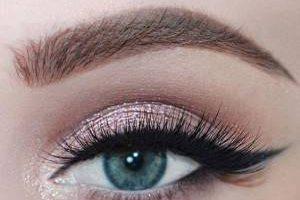 نحوه ی صحیح آرایش چشم در فصل زمستان