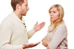 بهترین رفتار در مقابل همسر بهانه گیر چیست