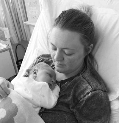 شوکه شدن این مادر از تصویر سونوگرافی نوزادش (عکس)