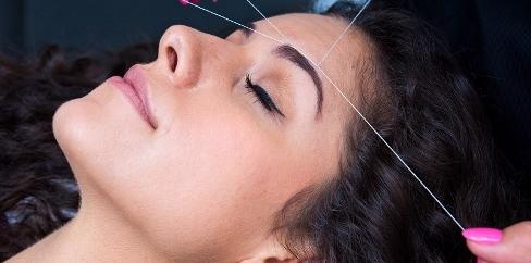 بند انداختن صورت یا شیو آن کدام بهتر است