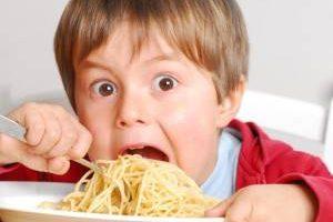 برطرف کردن مشکل پرخوری عصبی کودک