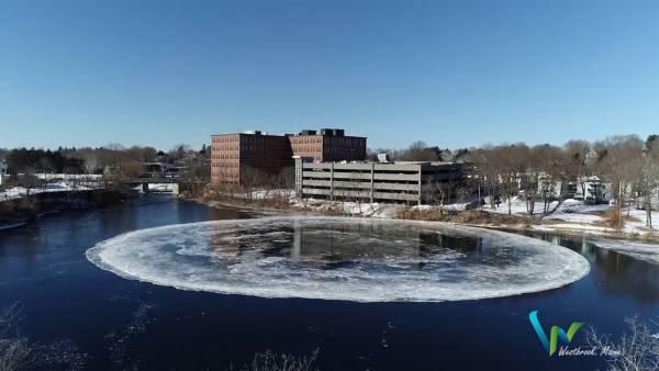 یخ زدن رودخانه ای در آمریکا به شکل کره زمین (عکس)