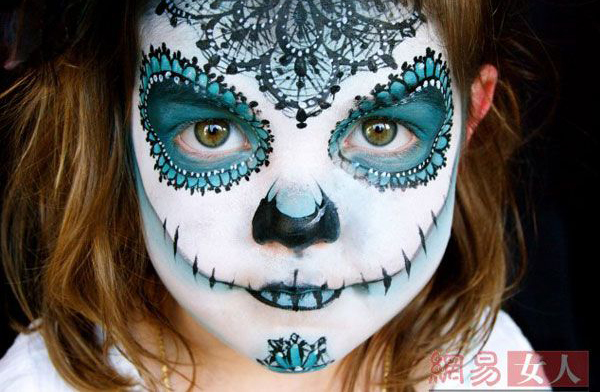 هنرنمایی این مادر خلاق برروی صورت فرزندانش (عکس)