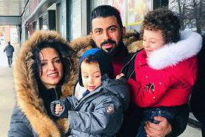 جدیدترین عکس های خانوادگی روناک یونسی در کانادا