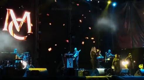 برپایی اولین کنسرت خواننده زن در ریاض و جده (عکس)