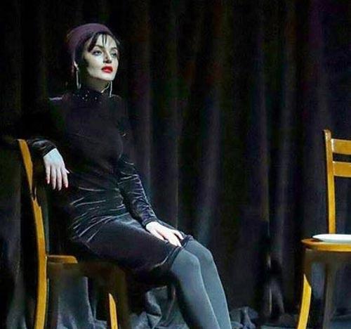 این بازیگر زن با اندام زیبا و انعطاف پذیرش همه را شوکه کرد (عکس)