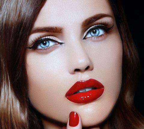 رمز و راز رژ لب قرمز و ناگفته های زنانه (روانشناسی رژ لب)