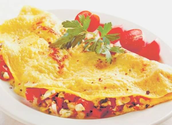 یک صبحانه لاکچری با املت مدیترانه ای