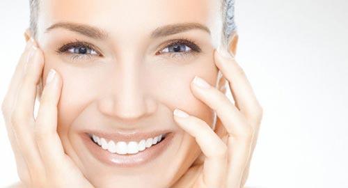 آموزش روشن کردن پوست صورت با آلوئه ورا