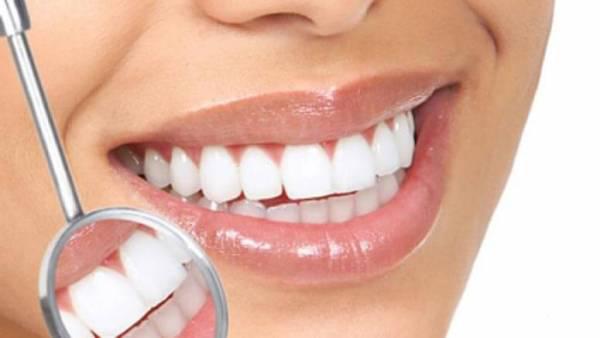 جرم دندان خود را با این روش خانگی از بین ببرید