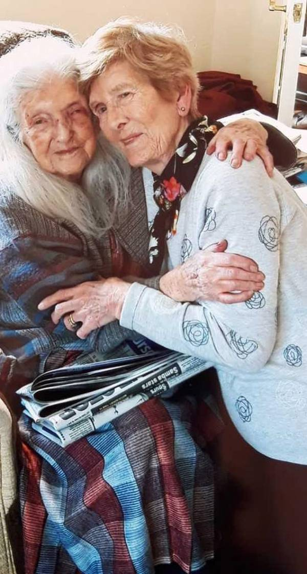 پیدا کردن این دختر و مادر بعد از 80 سال (عکس)