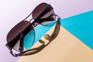 ترفندهای از بین بردن خط و خش شیشه عینک دودی