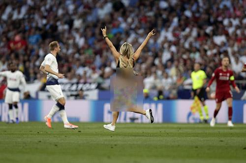 پیشنهاد 18+ بازیکنان لیورپول به کینسی ولانسکی جیمی جامپ فوتبال