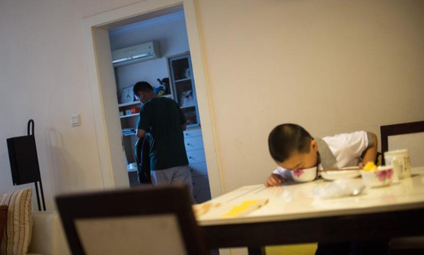 چاق شدن بچه 10 ساله برای نجات جان پدرش (عکس)