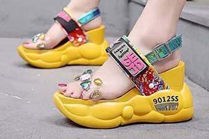 عکس کفش های لاکچری زنانه و زیباترین صندل تابستانه