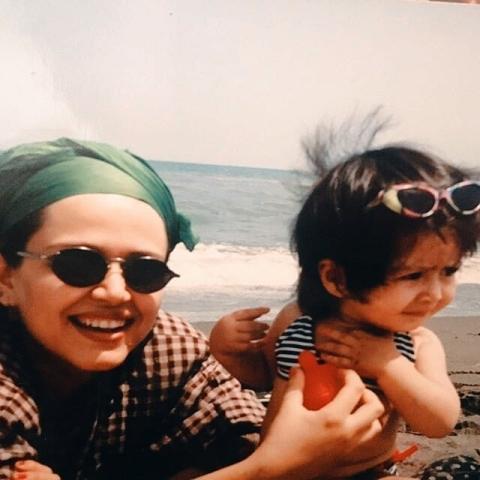 عکس دیده نشده از جوانی بهاره رهنما و دخترش