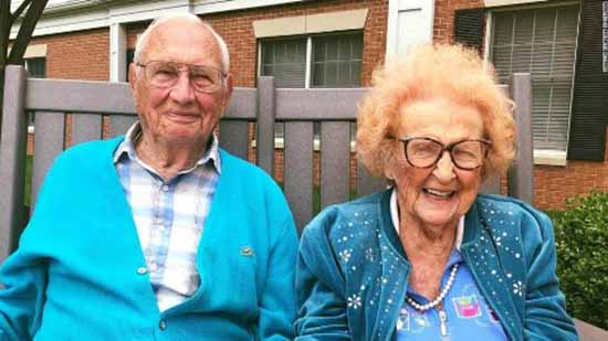 ازدواج پیرمرد 100 ساله با پیرزن 103 ساله (عکس)