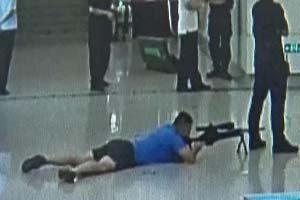 گروگان گیری وحشتناک در مترو ( فیلم و عکس)