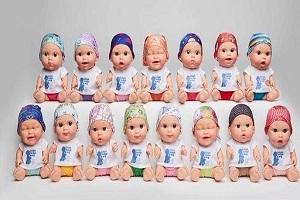 حمایت خوانندگان معروف از یک عروسک( عكس)
