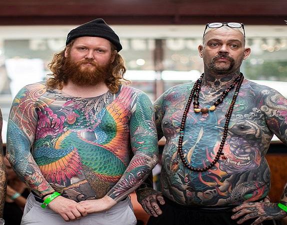 خالکوبیهای عجیب و ترسناک در نمایشگاه لندن!