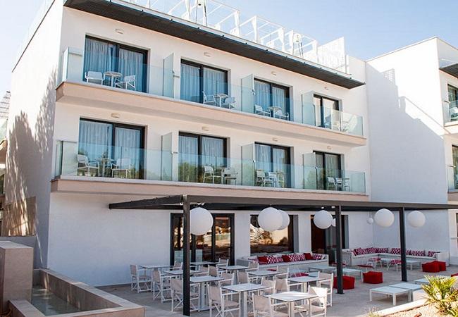 هتلی کاملا زنانه برای جلوگیری از چشم چرانی مردان! (تصاویر)