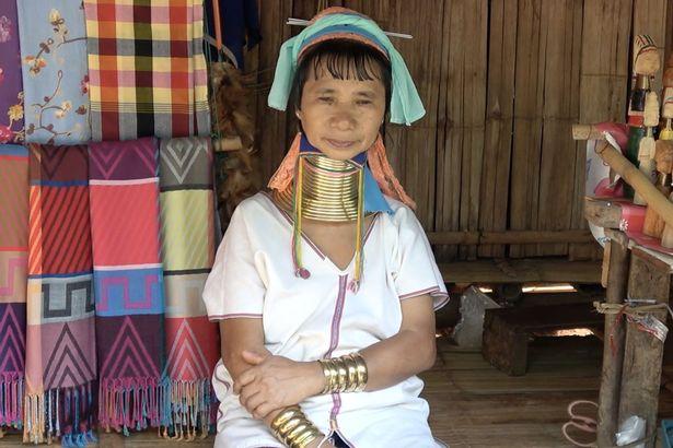 علاقه زنان قبیلهای قدیمی برای اژدها شدن + تصاویر