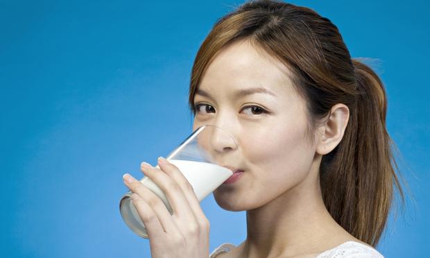 شیر خوردن در شب هنگام صحیح می باشد یا خیر ؟