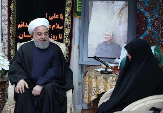 حضور روحانی در منزل شهید سپهبد سلیمانی