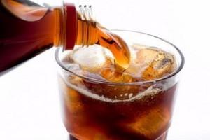 7 دلیل جدی برای جلوگیری از نوشیدن نوشیدنیهای گازدار