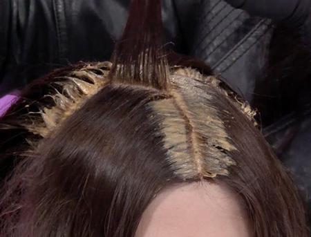روش ریشه گیری موی رنگ و هایلایت شده