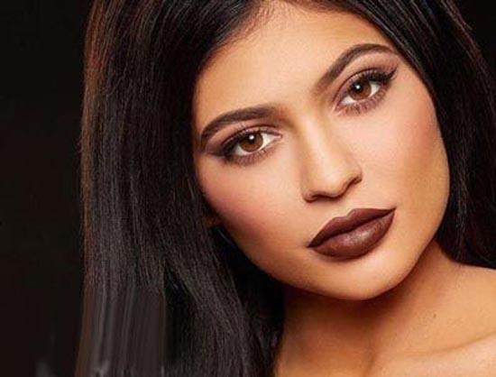 عکس بدون آرایش ثروتمند ترین دختر انستاگرام