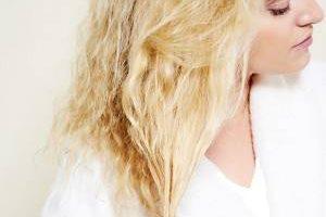 درمان کامل موهای سوخته با رنگ و دکلره در 4 هفته
