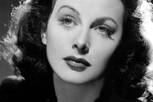 زیباترین زن جهان که وای فای را اختراع کرد (عکس)