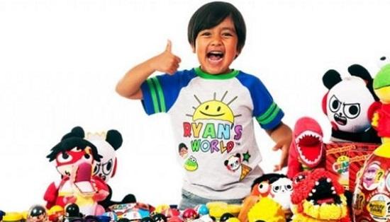درآمد ۲۶میلیون دلاری کودک هشت ساله از اینترنت (عکس)