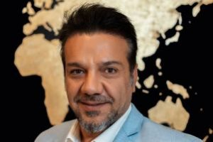 برکناری مجری جنجال ساز شبکه یک بخاطر بابا مسعود (عکس)